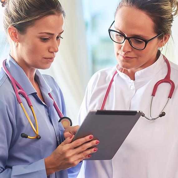 Logibec-Intellium-female-nurse-female-doctor-tablet