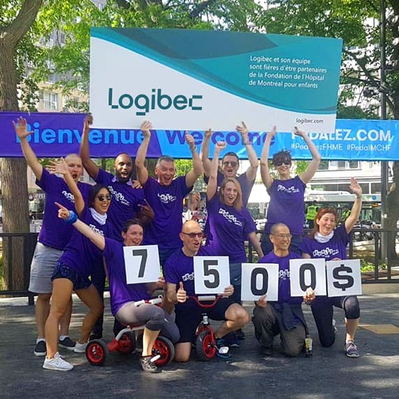 Logibec-join-our-team-group-of-employees-sport