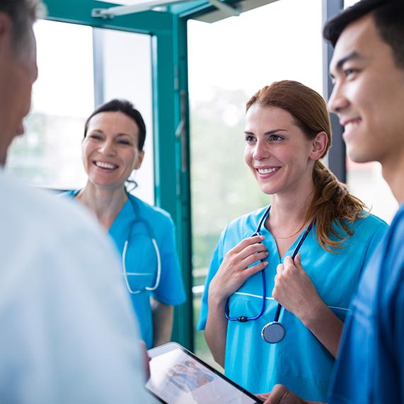 Logibec-GCH-VIP-group-nurses-talking
